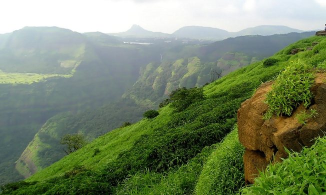 Holiday Home Buyer's Guide to Lonavala and Some Best Developments