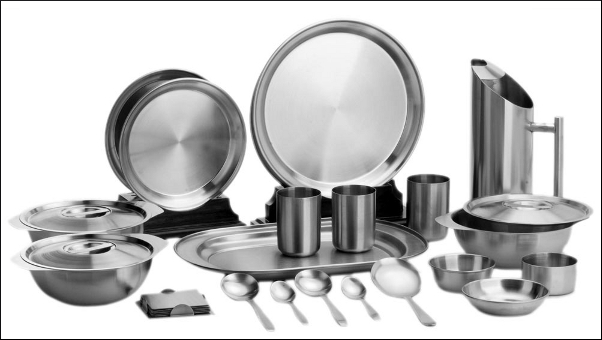 Stainless steel tableware – great option for casual dining