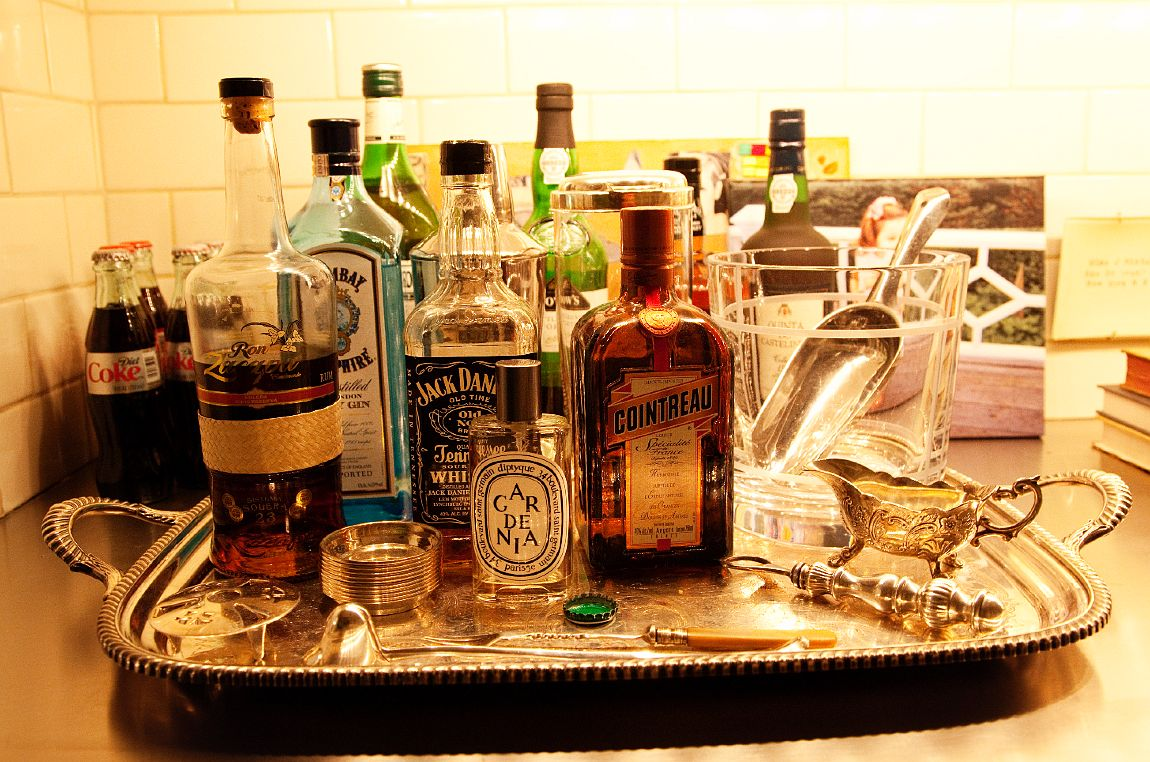 A Basic Guide To Stocking Your Home Bar