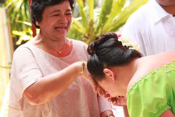 Filipina dating traditions